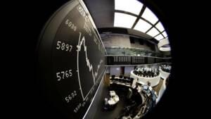 Les Bourses européennes hésitantes, yen et emprunts d'Etat recherchés