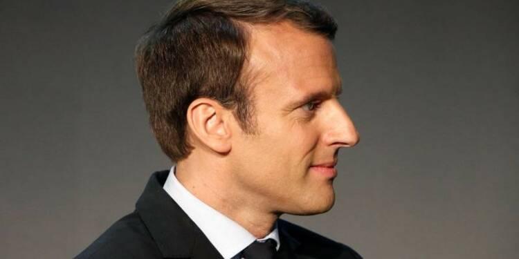 Macron prêt à modifier la part de l'Etat au capital d'Orange