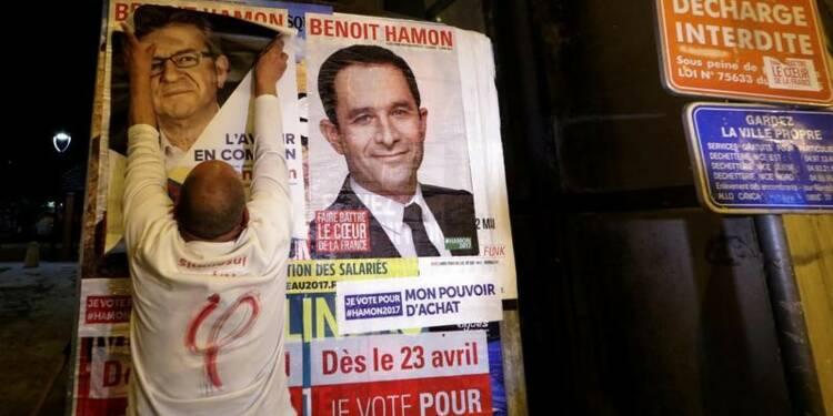Distancé Hamon cible Macron Mélenchon et le PS