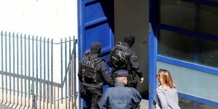 Un arsenal dans l'appartement des suspects de Marseille