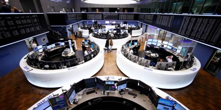 Les Bourses prudentes avant le vote français, l'euro baisse
