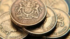 Royaume-Uni: La livre faible dope les exportations, mais le Brexit pèse
