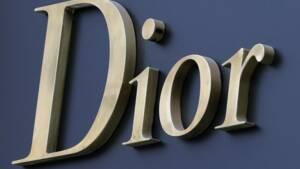 La famille Arnault se renforce dans LVMH, qui rachète Dior