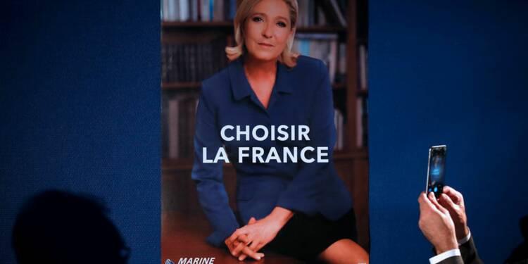 Marine Le Pen défie Emmanuel Macron chez Whirlpool