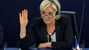 Les députés européens lancent le processus de levée de l'immunité de Le Pen