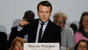 Macron met la reconquête industrielle au coeur du duel avec Le Pen