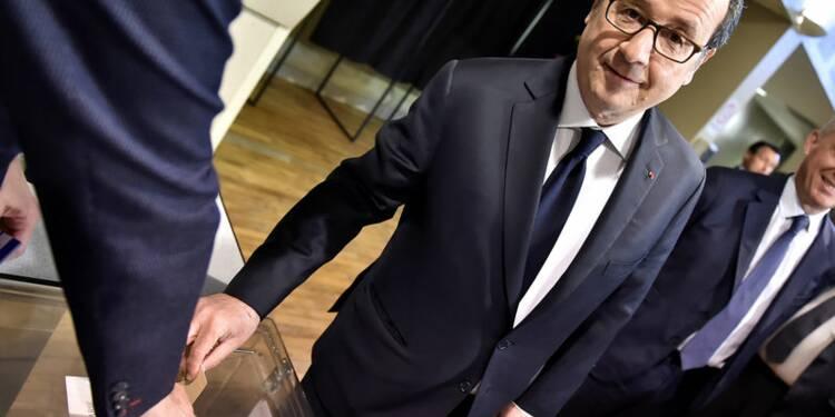 Emmanuel Macron hué à l'usine Whirlpool d'Amiens (vidéo)