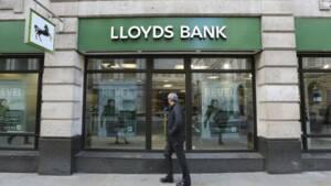 Lloyds défie les prévisions en publiant un bénéfice stable au 1er trimestre