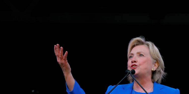 """Clinton juge """"lamentable"""" une bonne partie des pro-Trump"""